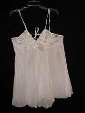 Secret Treasures White with Lace Beads Sequences Gown size 1 X