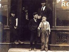 Fotografia Nero Bianco fumo notizie RAGAZZI 1910 St. Louis Arte Poster Stampa lv3609