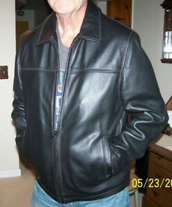 NEW men's size medium (45) black leather jacket by Columbia/heavy leather/lined