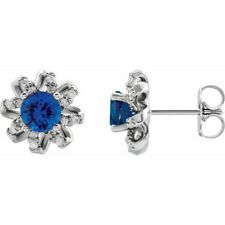 Zafiro Azul & 1/6 Ctw Diamante Halo-Style Pendientes En Platino