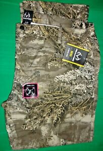 Realtree Men's 5 Pocket Pants, Size XXL(44-46) Flex Fabric - New with Tags!!!!