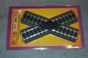MTH REALTRAX 45 DEGREE CROSSING TRACK 40-1007 IN FACTORY PACKAGE WITH SOLID RAIL