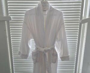 Nautica Bathrobe L/XL, White Terry Cloth, Tie Belt, Long Sleeves, Pockets