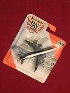 Matchbox Sky Busters Boeing 747-400 1/13, White/Blue Metal Parts!