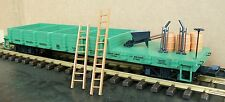 """USA Trains USAR1824 Work Flat Car With Load - dunkelgrün - """"Union Pacific"""""""
