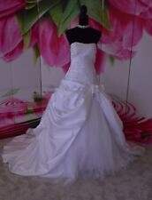 Wedding Dresses A-line Lace Up Ruffles Taffeta Ivory  Size: 16
