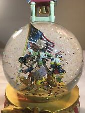 Disney 4th of July Snowglobe Mickey Mouse Yankee Doodle Dandy Goofy Musical Duck