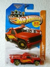 RED 2013 Hot Wheels FIG RIG #80 - HW Stunt