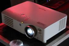 Panasonic PT-AX200E Heimkino Hd-Beamer Projector 6000:1 Lensshift 720p HDMI Ovp