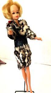 Francie Blonde Twist Doll Mattel Barbie vintage 6 outfits plaid suit preowned