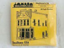 SMALLTOWN USA HO SCALE STRUCTURE BUILDING MODEL KIT ~ MADLENE'S DELI #6004