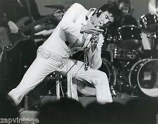 Vtg Black & White Portrait of ELVIS PRESLEY In Concert Live On stage Photo #164
