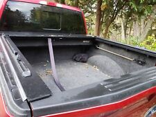 Tonneau Cover Ford f-150 5.5', Truck Covers USA with Yakima Rails
