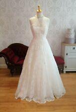 Lace wedding dress size 12. Veromia New. EX SAMPLE