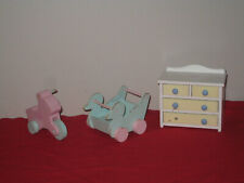 Barbie Heart Family Wooden Pieces - Dresser, Riding Toys - With Issues