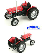 UNIVERSAL HOBBIES - 2698 MASSEY FERGUSON 135 TRACTOR WITHOUT CAB 1:16 SCALE