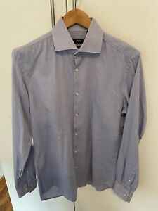 Hugo Boss Herren Männer blaues Slim Fit Hemd in Größe 40 bzw. Größe M in Blau