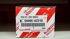Toyota Sienna 2011-16 Front Genuine OEM Ceramic Brake Pads w/o Shims 04465-AZ219