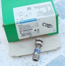 Telemecanique XS7C40FP260 061005 détecteur de proximité inductif d/'occasion