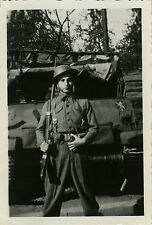 PHOTO ANCIENNE - VINTAGE SNAPSHOT-MILITAIRE SOLDAT FUSIL VÉHICULE ENGIN-MILITARY