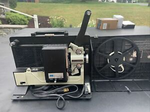 Sears Easi-Load Super 8 Movie Projector model 813-92210 in carry case