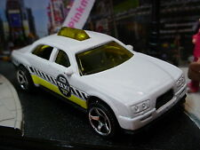 2014 CITY WORKS Design TAXI CAB☆White; 577 ☆Loose MBX☆Matchbox