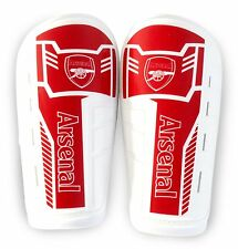 ARSENAL FC SLIP ON SHINGUARD SHIN GUARDS PADS BOYS NEW XMAS GIFT