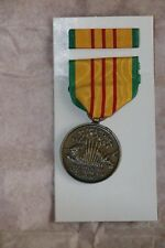GENUINE US MADE VIETNAM MEDAL COMPLETE IN ORIGINAL 69 DATED BOX WITH RIBBON  BAR