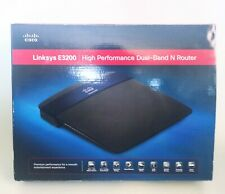 Linksys E3200 300 Mbps 4-Port Gigabit Dual Band Wireless802.11 b/g/n