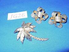 Vintage Costume Jewelry: Trifari Palm Tree Pin, Bow Earrings 2p Lot JG26
