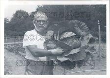Alabama Man With 15.5 lb Cabbage Press Photo