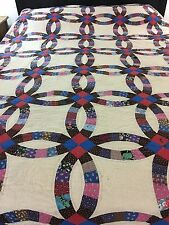 VINTAGE HANDMADE DOUBLE WEDDING RING QUILT RED BLUE CENTERS KING SIZE