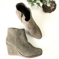 9952bca2ea5f DOLCE VITA NWOB Womens 10 Brown Tan Rubber Sole Zip Up Ankle Wedge Booties  Boots