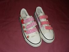 Shanzu size Aus 9 US 9 or EUR size 40 white canvas printed runners in VGC