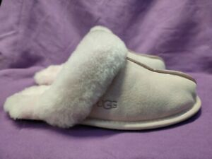Ladies Ugg Scufette Slippers, Pink Colour, UK Size 4