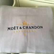 MOET & CHANDON LARGE PICKNET BLANKET