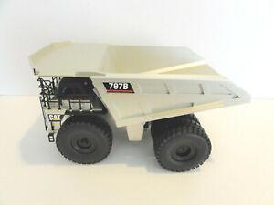 """Caterpillar NZG CAT 797B Mining Truck 1:50 """"PALE GOLD"""" """"MONSTER OF A TRUCK"""" NEW"""