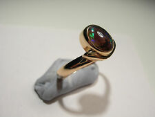 14ct Gold Ring with Lightening Ridge Opal (Lot 2241)