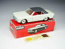 Solido - 133 - Fiat 2300S Cabriolet Ghia - Crème intérieur rouge - 1/43e