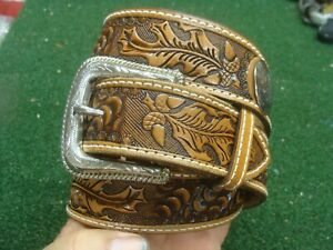 EXCELLENT Nocona Western Mens Belt Leather Tooled Conchs Size 40 Nice Buckle