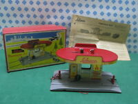 Tin Toy  SCHUCO Varianto 3055 - TANKSTELLE - Made in U.S.Zone W. Germany 50'