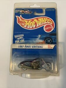 Hot Wheels 1:64 Diecast 1997 First Editions Scorchin Scooter Purple Motorcycle