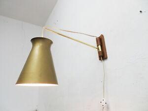 Wandlampe mit Diaboloschirm aus den 50er Jahren