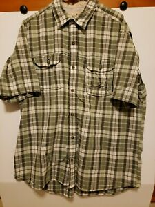 Red Head Button Up Short Sleeve w/ 3 Pockets Vented Fishing Size XL Green Plaid