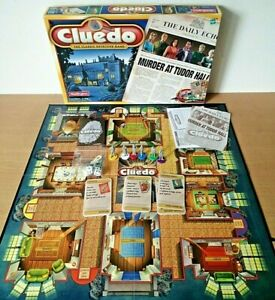 Cluedo Board Game Hasbro 2000 Waddingtons Classic Murder Mystery Game Complete