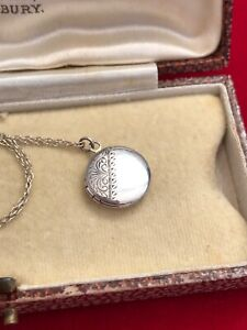 """Vintage 80s Sterling Silver Small Floral Locket Pendant 16"""" Chain Necklace  (D5)"""