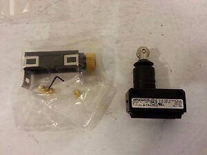 Mazak Yamatake X and Y Limit Switch SL1-BK w/cover