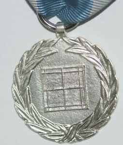 WWII POLAND POLISH AIR FORCE MEDAL FULL SIZE WITH RIBBON GOOD REPLACEMENT