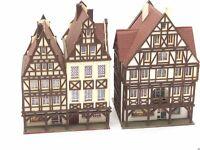 2 x großes Fachwerkhaus mit Geschäften und Arkaden BELEUCHTET Spur N D0121