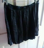 000 Womans Size 16 Norton McNaughton Black Skirt Pleated